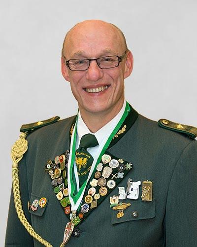 Dr. Uwe Kirschbaum