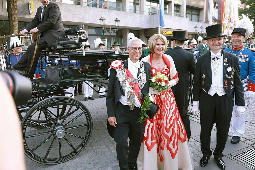 S.M. Kurt I. Koenemann und I.M. Beate Koenemann
