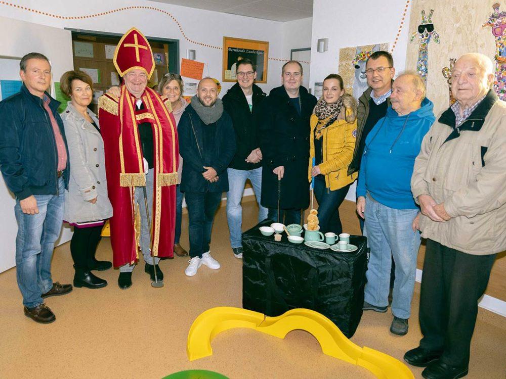 Besuch von St. Martin auf der Kinderstation im Lukaskrankenhaus
