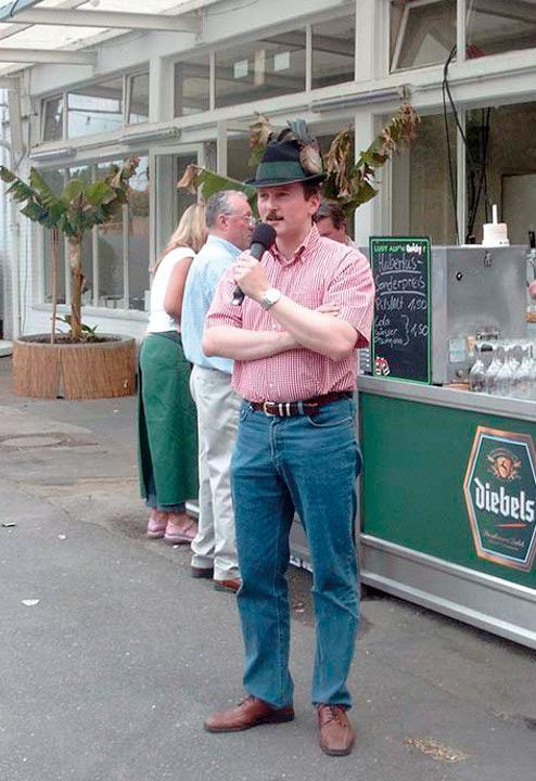 2004 Peter Schiefer beim Probemarschieren