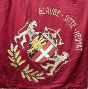 Amann-Schlösser Fahne 1974 Heimatseite